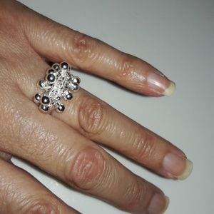 Jewelry - Women Silver Plated Ring Size 7 New